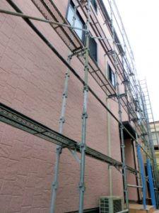 外壁塗装は雨でもできる?雨による影響はあるのか